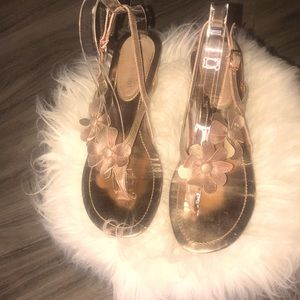 Enzo Angiolini sandals in rose gold w/flowers